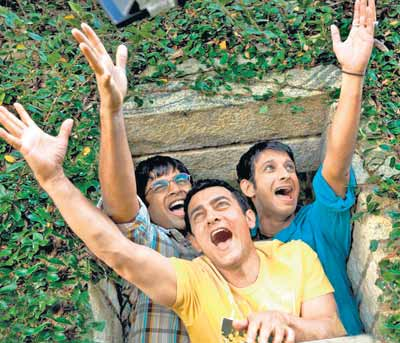 3 IDIOTS (Plot Summary) | Life is like a Big Quotation